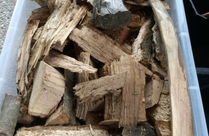 薪割り時に出た端材も大活躍します